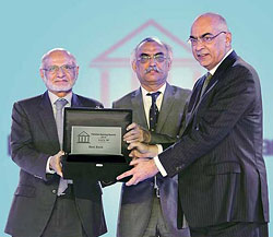 UBL crowned Best Bank 2016 at Pakistan Banking Awards